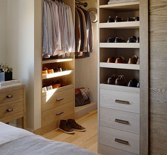 Walk-in-Closet-for-Men-Masculine-closet-design-19-700x933 - Copia